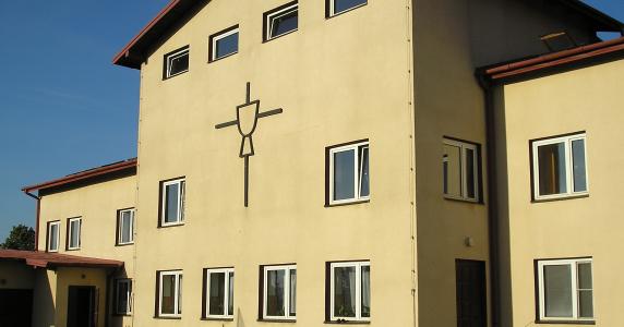 Krótka historia domu rekolekcyjnego Misjonarzy Krwi Chrystusa w Ożarowie Mazowieckim koło Warszawy.