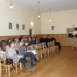 br. Bartek prowadzi warsztaty śpiewu
