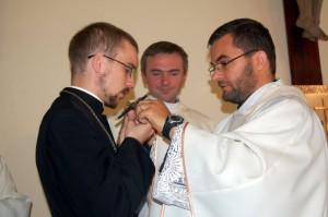 wręczenie krzyża misyjnego kl. Marcinowi