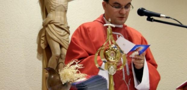 Uroczystość wprowadzenia relikwii bł. Jana Pawła II do kaplicy domu rekolekcyjnego. Za Jego wstawiennictwem pragniemy wypraszać potrzebne łaski dla nas samych i tych wszystkich, którzy polecają się naszej modlitwie...
