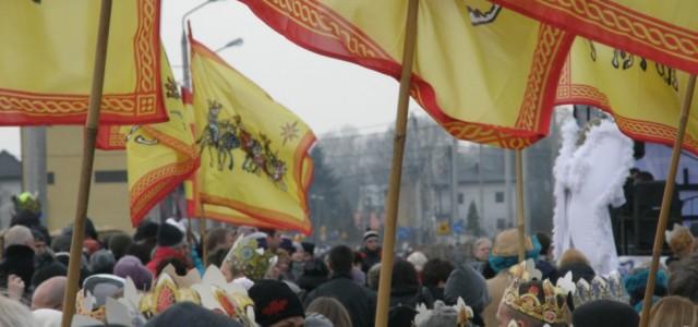W uroczystość Objawienia Pańskiego wcałej Polsce były organizowane Orszaki Trzech Króli. 187 miejscowości brało udział wtej akcji. Łącznie wzięło udział 630 000 osób wcałej Polsce w2014 roku, aw samej stolicy...